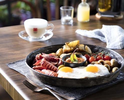 کافه لوکال ولنجک _صبحانه انگلیسی