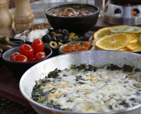 کافه لوکال ولنجک _املت اسفناج و پنیر